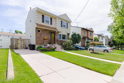 Staten Island Single Family Home For Sale: 419 Main Street