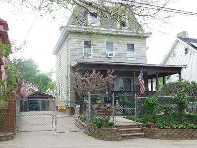Staten Island Single Family Home For Sale: 68 Taylor Street