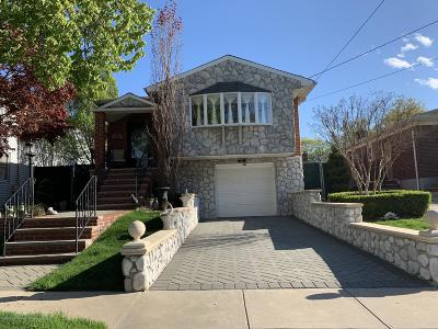 Staten Island Single Family Home For Sale: 150 Caswell Avenue