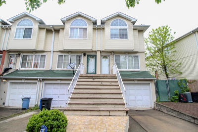 Staten Island Two Family Home For Sale: 41 Ludwig Lane