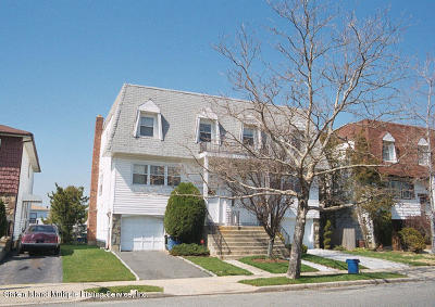 Semi-Attached For Sale: 150 Kelly Boulevard