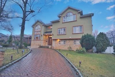 Staten Island NY Single Family Home For Sale: $2,399,000