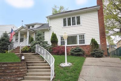 Single Family Home For Sale: 85 Oswald Place