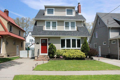 Single Family Home For Sale: 17 Greeley Avenue