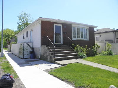Single Family Home For Sale: 3 Clearmont Avenue