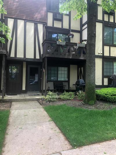 Staten Island Condo/Townhouse For Sale: 16 Elmwood Park Drive