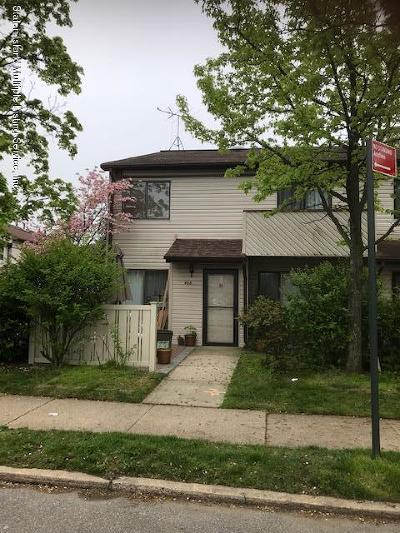 Staten Island Condo/Townhouse For Sale: 488 Lisk Avenue