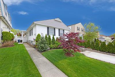 Single Family Home For Sale: 242 Ramapo Avenue