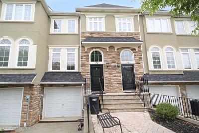 Staten Island NY Single Family Home For Sale: $639,800