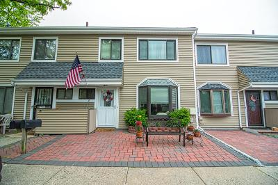 Staten Island Condo/Townhouse For Sale: 7 Meadow Court