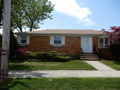 Staten Island NY Single Family Home For Sale: $618,000