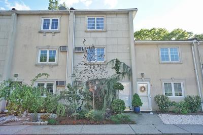 Staten Island Condo/Townhouse For Sale: 966 Clove Rd #F
