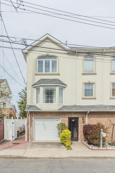 Staten Island Semi-Attached For Sale: 15 Beachview Avenue