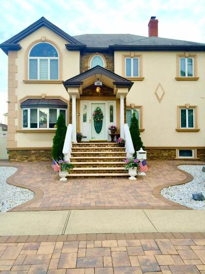 Single Family Home For Sale: 164 Beverly Road