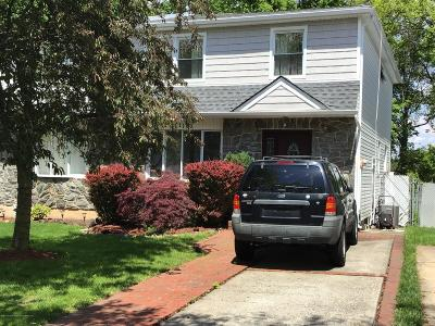 Staten Island Semi-Attached For Sale: 111 Tanglewood Drive
