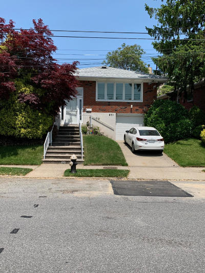 Staten Island Single Family Home For Sale: 971 Hylan Boulevard