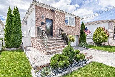 Staten Island Single Family Home For Sale: 57 Bamberger Lane