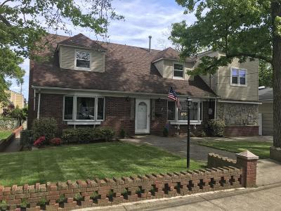 Staten Island Single Family Home For Sale: 165 Dutchess Avenue
