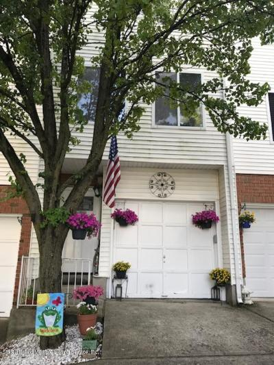 Staten Island NY Single Family Home For Sale: $279,000
