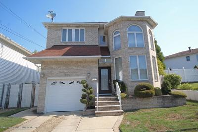 Staten Island NY Single Family Home For Sale: $949,900