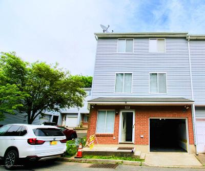 Staten Island NY Single Family Home For Sale: $438,000
