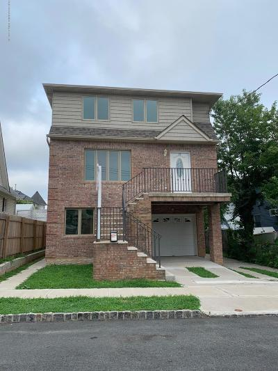 Staten Island NY Two Family Home For Sale: $925,000