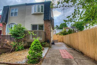 Semi-Attached For Sale: 68 Nautilus Street