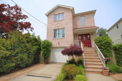 Staten Island Single Family Home For Sale: 126 Hillcrest Terrace