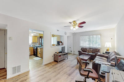 Semi-Attached For Sale: 1 Dreyer Avenue