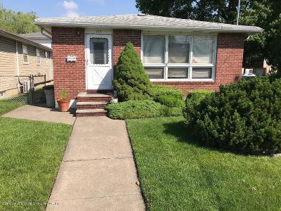 Staten Island Single Family Home For Sale: 413 Oakdale St