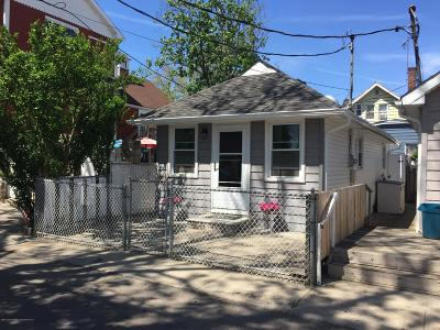 Single Family Home Acceptance: 7 Center Place