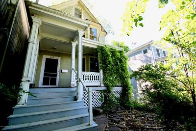 Staten Island Single Family Home For Sale: 208 St Pauls Avenue