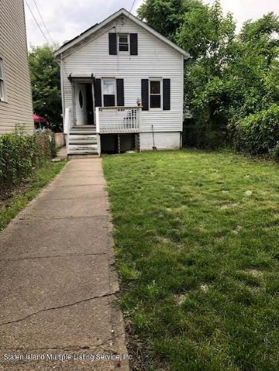 Single Family Home For Sale: 120 Northfield Avenue
