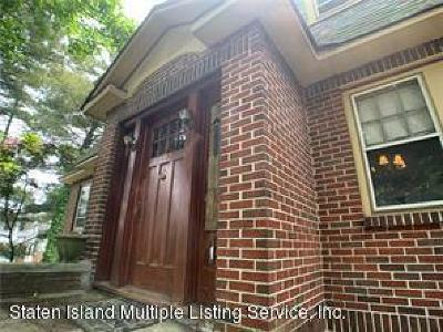 Staten Island Single Family Home For Sale: 192 St Pauls Avenue