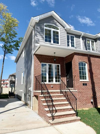 Semi-Attached For Sale: 43 Billings Street