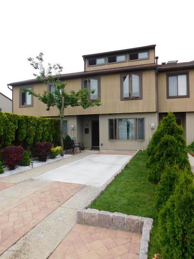 Condo/Townhouse For Sale: 1149 Father Capodanno Boulevard