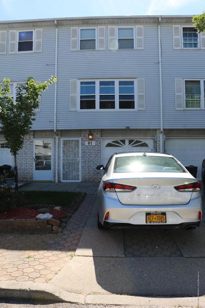 Staten Island Single Family Home For Sale: 81 Lorraine Loop