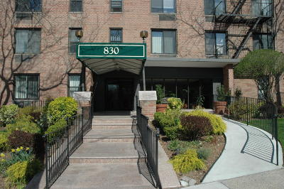 Staten Island Condo/Townhouse For Sale: 830 Howard Avenue #4a