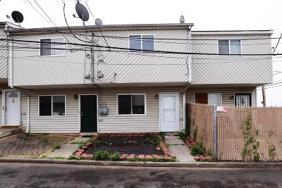 Staten Island Single Family Home For Sale: 16 Betty Court