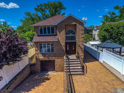 Two Family Home Acceptance: 140 Giegerich Avenue