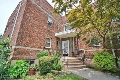 Staten Island Co-op For Sale: 565 Castleton Avenue #2c