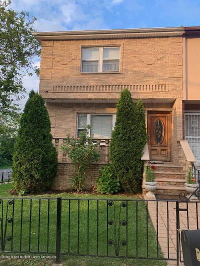 Semi-Attached For Sale: 3 Rubenstein Street