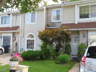 Staten Island Single Family Home For Sale: 62 Seguine Place