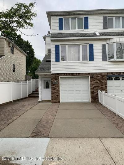 Staten Island Semi-Attached For Sale: 140 Sandalwood Drive