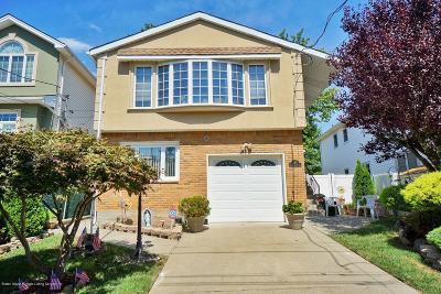 Staten Island Single Family Home For Sale: 283 Holdridge Avenue