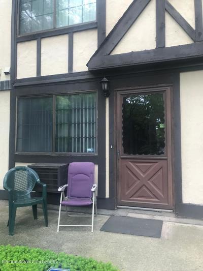 Condo/Townhouse For Sale: 26 Elmwood Park Drive #1