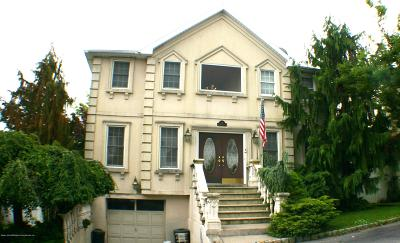 Staten Island NY Single Family Home For Sale: $1,079,000