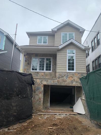 Single Family Home For Sale: 26 Scribner Avenue