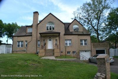 Single Family Home For Sale: 4 Dent Road