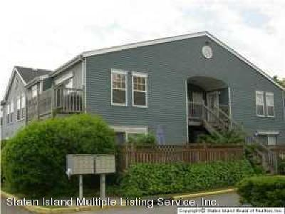 Staten Island Condo/Townhouse For Sale: 163 Pond Way #B